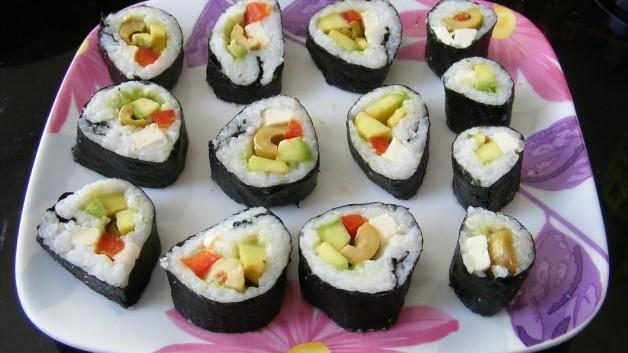 sushi-1102998_960_720